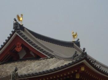 金色塗り鳳凰像